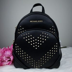 🌺NWT Michael Kors MD Abbey studded backpack Black